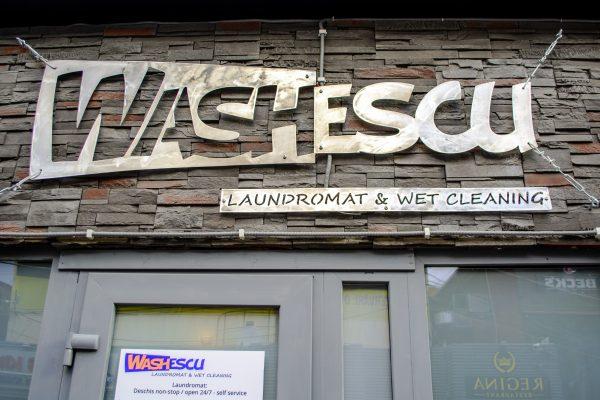 WASHescu Laundromat Regie